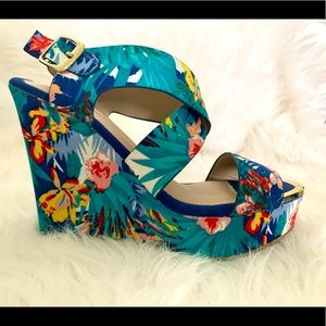 Tropical summer wedges size 7